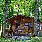Tiny houses in nieuw bos lijkt kip met gouden eieren